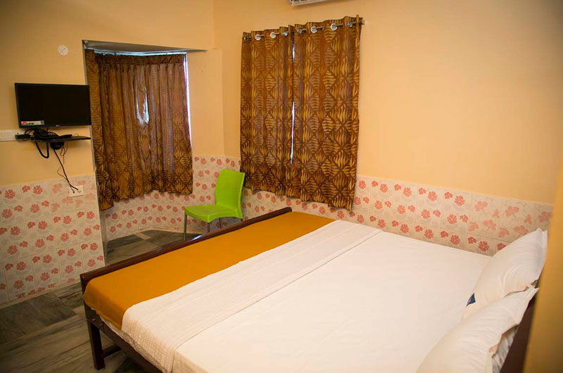 Navagraha Homestay - 4 Bed Double Luxury Roomss-1
